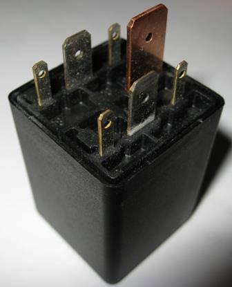 Bosch - Glow Plug Relay (Mk3) (B4) (Early Mk4) - Bosch (0281003013)